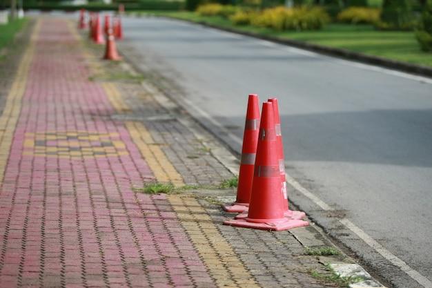 Straßenkegelverkehr, straßenwarnung