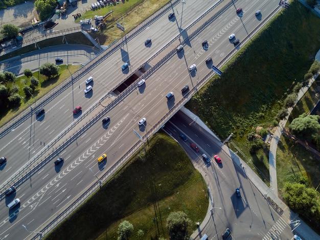 Straßenkreuzung draufsicht