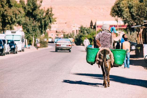 Straßenszene in marrakesch