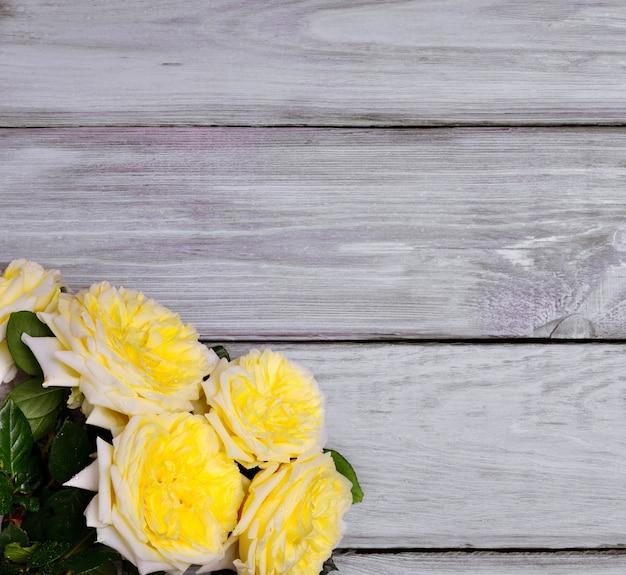 Strauß gelber rosen