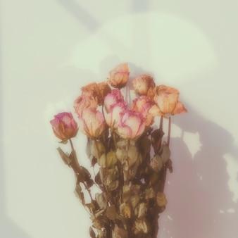 Strauß getrockneter rosen