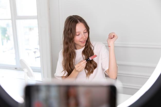 Streaming youtube make-up artist freelancer