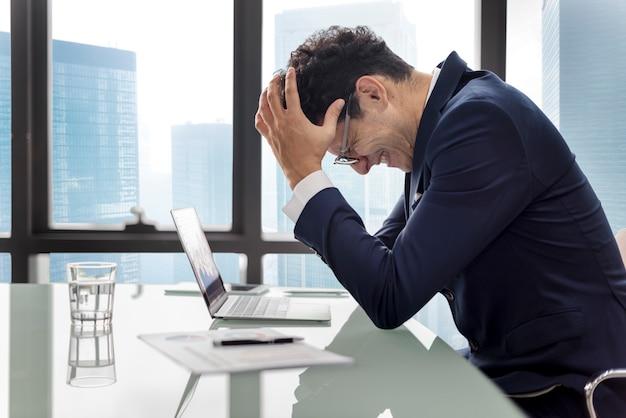 Stress-ernstes planungs-geschäftsstrategie-arbeitskonzept