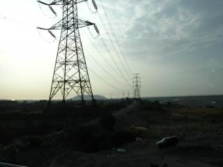Stromleitungen und türme