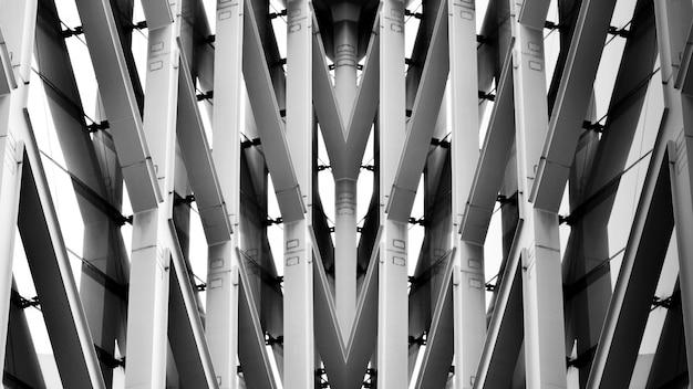 Struktur des modernen stahlarchitekturgebäudes - monochrom