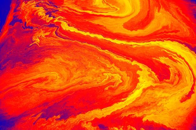 Strukturierter hintergrund mit rötlich-orangefarbener ölfarbe