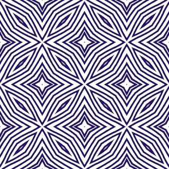 Strukturiertes streifenmuster. lila symmetrischer kaleidoskophintergrund. textilfertiger fabelhafter druck, bademodenstoff, tapete, verpackung. trendiges strukturiertes streifendesign.
