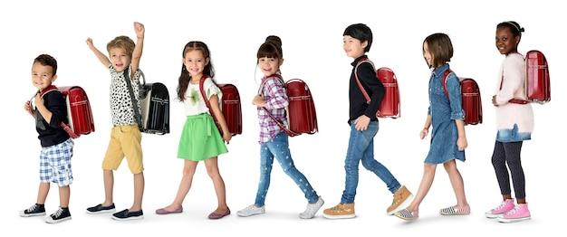 Student mit rucksack für bildung.