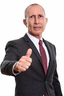 Studioporträt des älteren mannes mit den kurzen haaren lokalisiert gegen weiß
