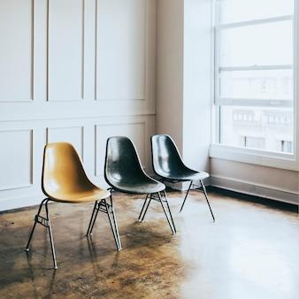 Stühle im wohnzimmer