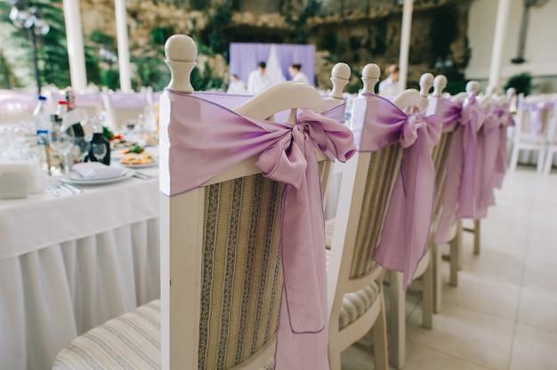 Stühle und dekoration