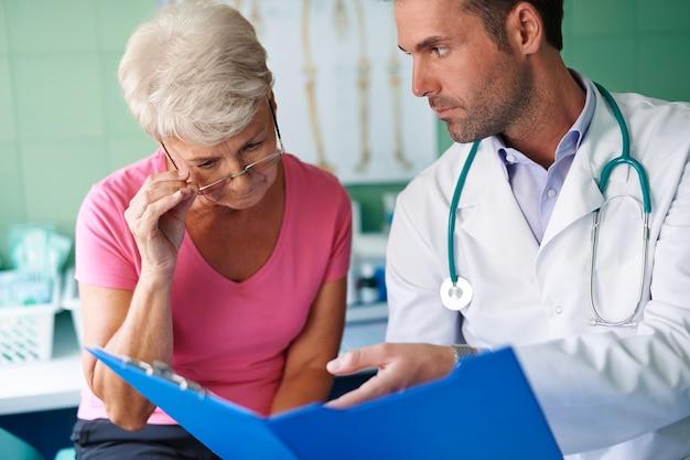 Suchen sie nach diesem medizinischen test. du musst auf dich aufpassen