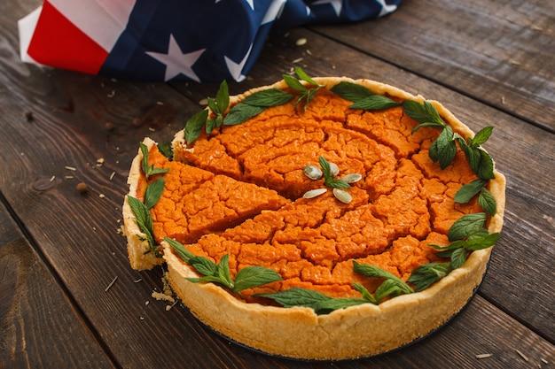 Süße bäckerei kürbiskuchen traditionelle saisonale amerikanische küche thanksgiving-halloween-snack-konzept