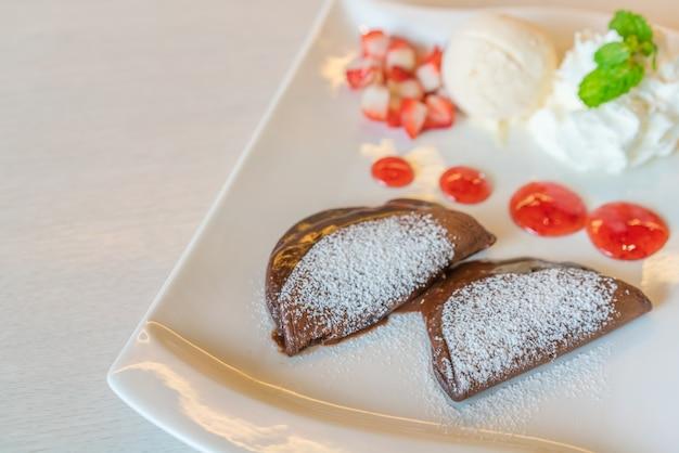 Süße erdbeere gefroren leckeren pfannkuchen