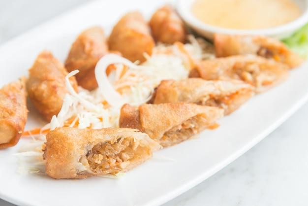 Süße frittierte frühlings chinesisches essen