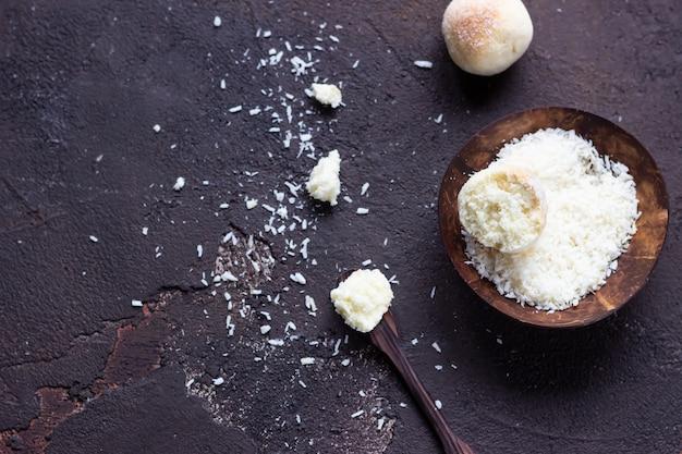 Süße kokosnussplätzchen