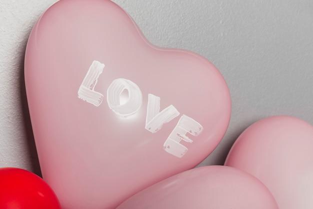 Süße luftballons zum valentinstag