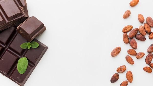 Süße schokolade in flachem zustand