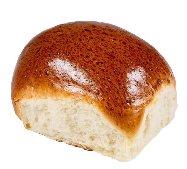 Süßes brötchen lokalisiert auf weißer oberfläche.