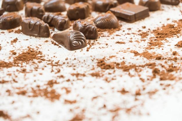Süßspeise mit dunkler schokolade