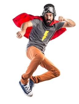 Superheld gibt einen schlag