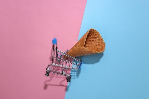 Supermarktwagen mit eiswaffeltüte