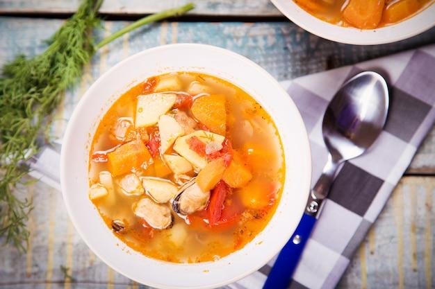 Suppe mit muscheln
