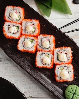 Sushi kalifornien mit reis