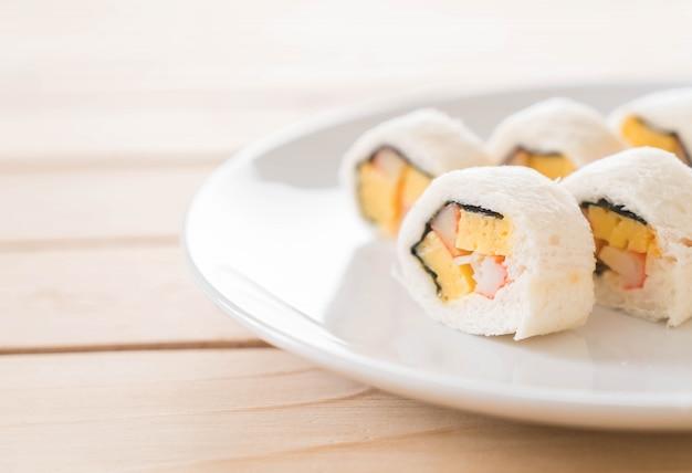 Sushi-sandwich-roll