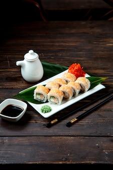 Sushi-set mit standard-zutaten