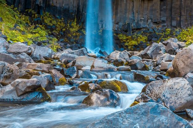 Svartifoss wasserfall, detail des unteren teils des schönsten wasserfalls in südisland
