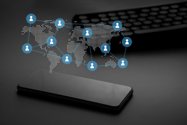 Symbol für das geschäftskonzept der sozialen medien und der personalabteilung auf der tastatur