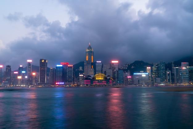 Szene des victoria harbour in hong kong.