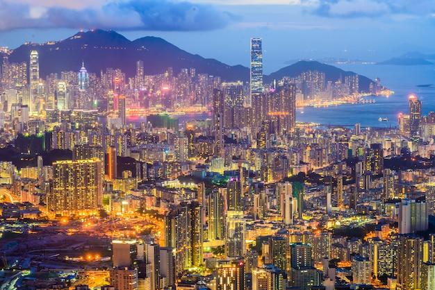 Szene des victoria harbour in hongkong.