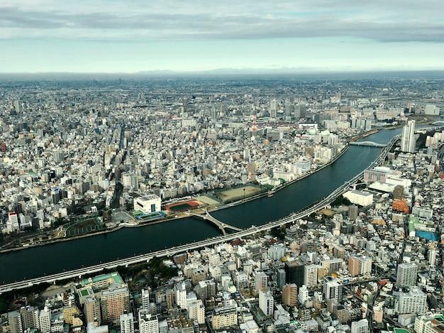 Szenisch von der landschaft japan im stadtzentrum gelegen