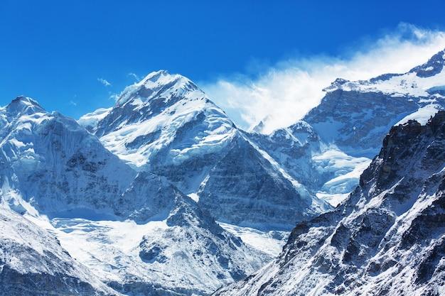 Szenische ansicht der berge, kanchenjunga region, himalaya, nepal.