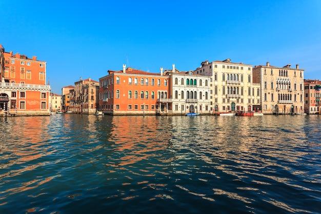 Szenische ansicht des canal grande in venedig, italien