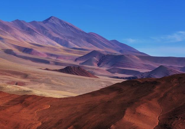 Szenische landschaften von nordargentinien. wunderschöne inspirierende naturlandschaften.