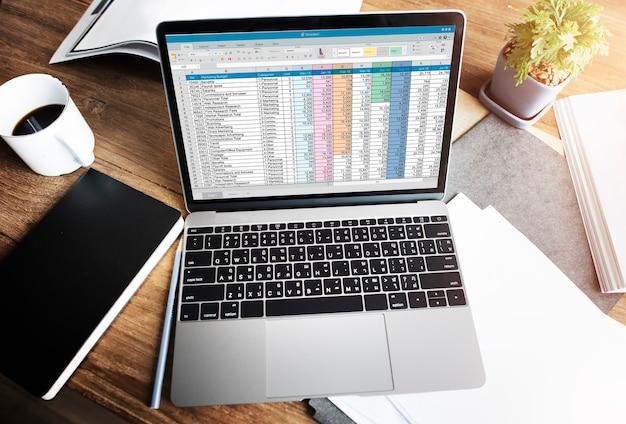 Tabellenkalkulation dokumentinformationen finanzielles startup-konzept