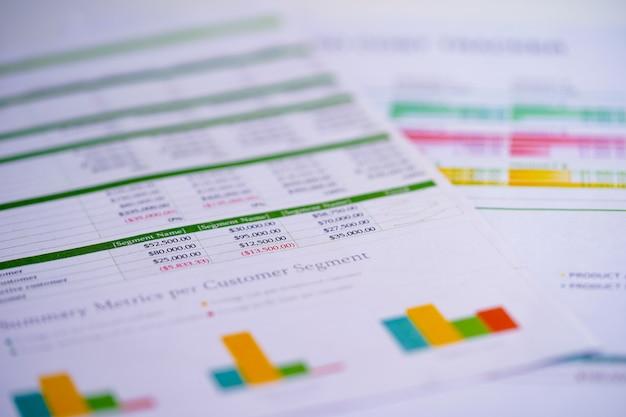 Tabellenkalkulationstabellenpapier auf tabelle.