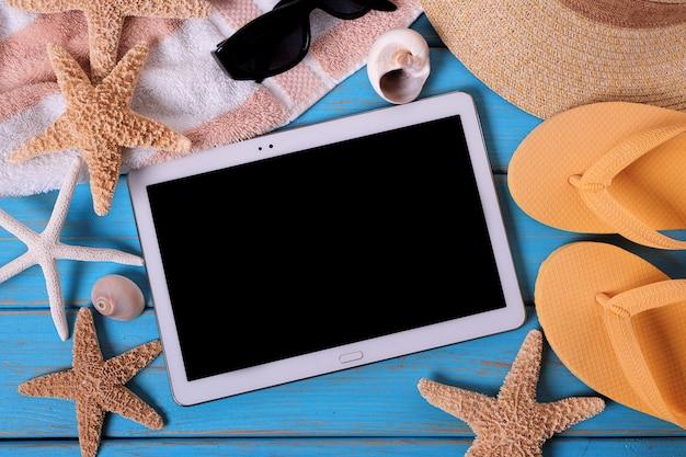 Tablet pc computer sommer strand hintergrund