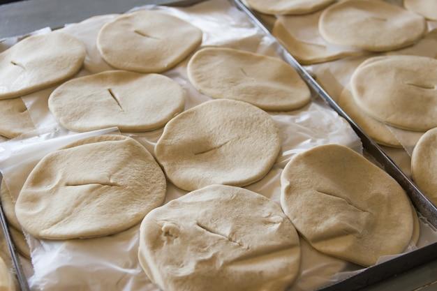 Tablett mit gebratenen kuchen rohe gastronomia tipica argentinien
