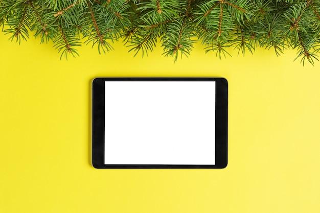 Tablette des leeren bildschirms auf gelb