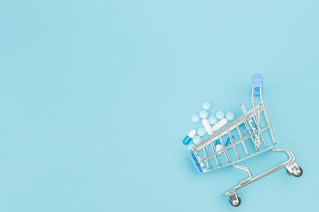 Tabletten und einkaufswagen