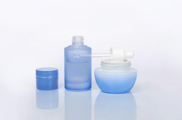 Tägliche pflegecremeflaschen