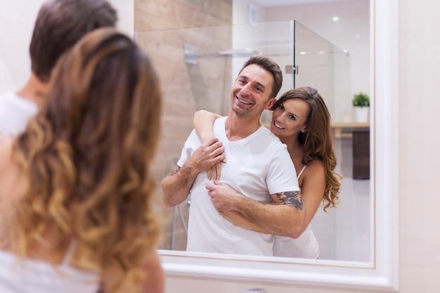 Tägliche sorge um unsere hygiene im badezimmer