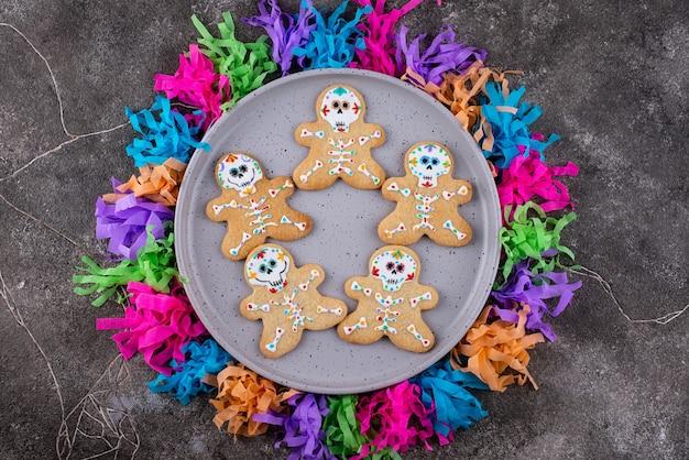 Tag der toten kekse in form eines zuckerschädels