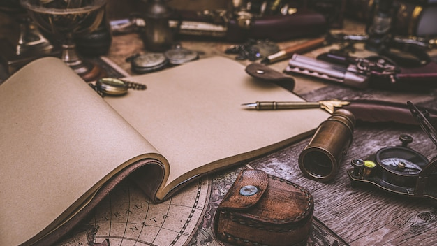 Tagebuch und federkiel