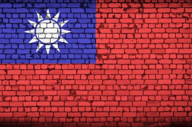 Taiwan-flagge wird auf eine alte backsteinmauer gemalt