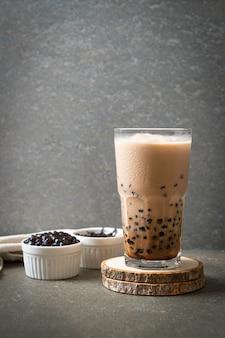 Taiwan milchtee mit blasen - beliebtes asiatisches getränk